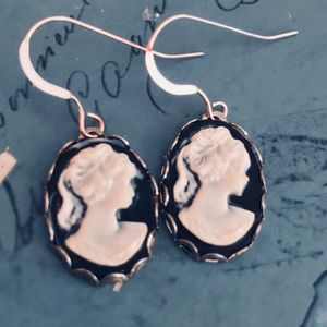 Jewelry - Victorian sterling cameo goth earrings
